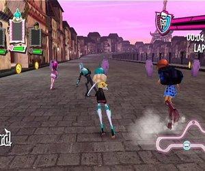 Monster High: Skultimate Roller Maze Videos