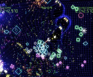 Geometry Wars: Galaxies Videos