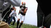 Madden NFL 12 'Peyton Hillis cover shoot' Trailer